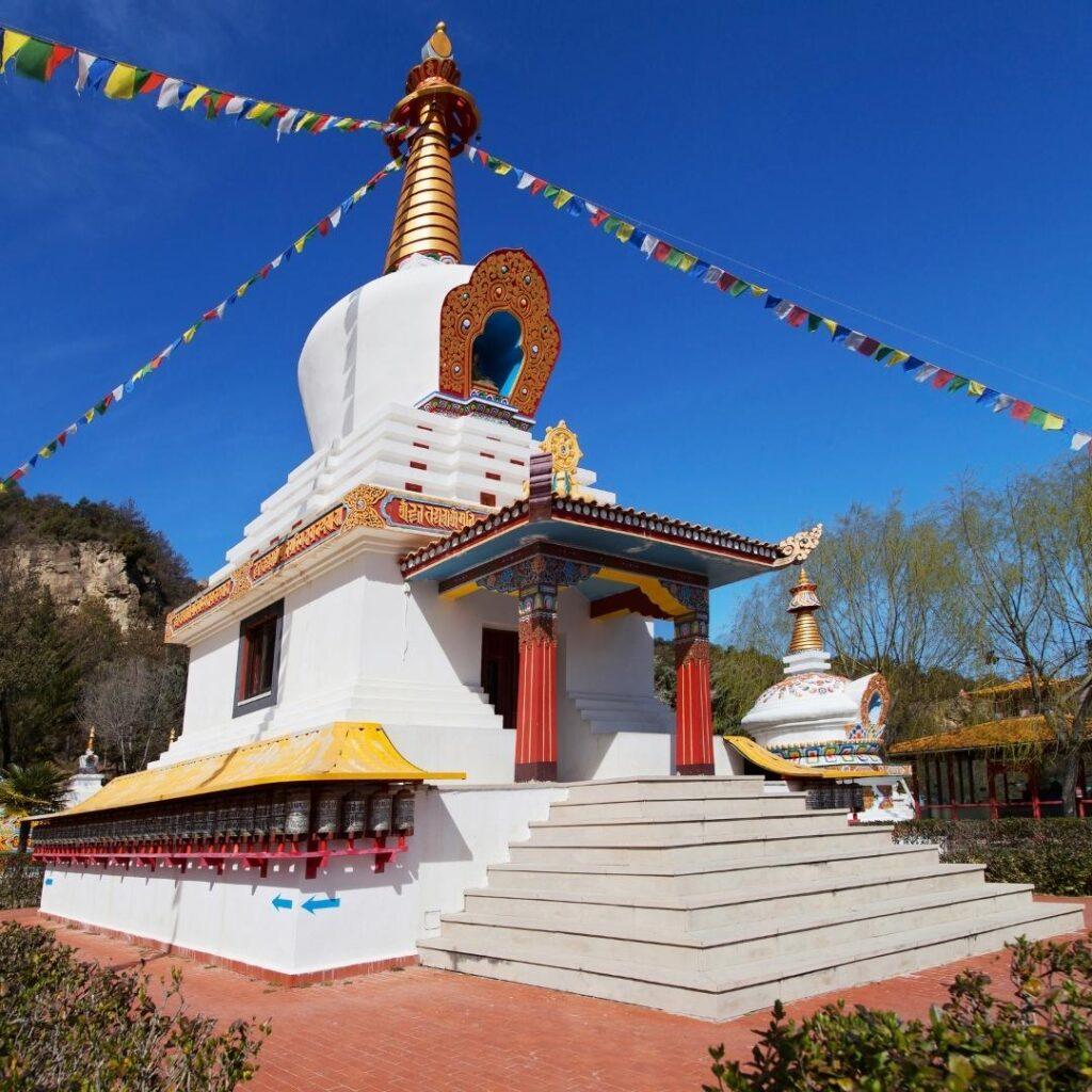 alojamiento cerca del templo budista de panillo